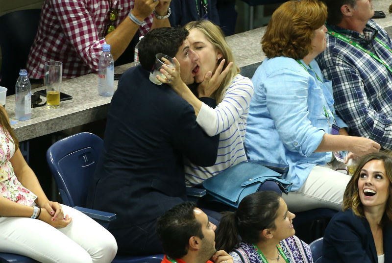 jason biggs kiss cam